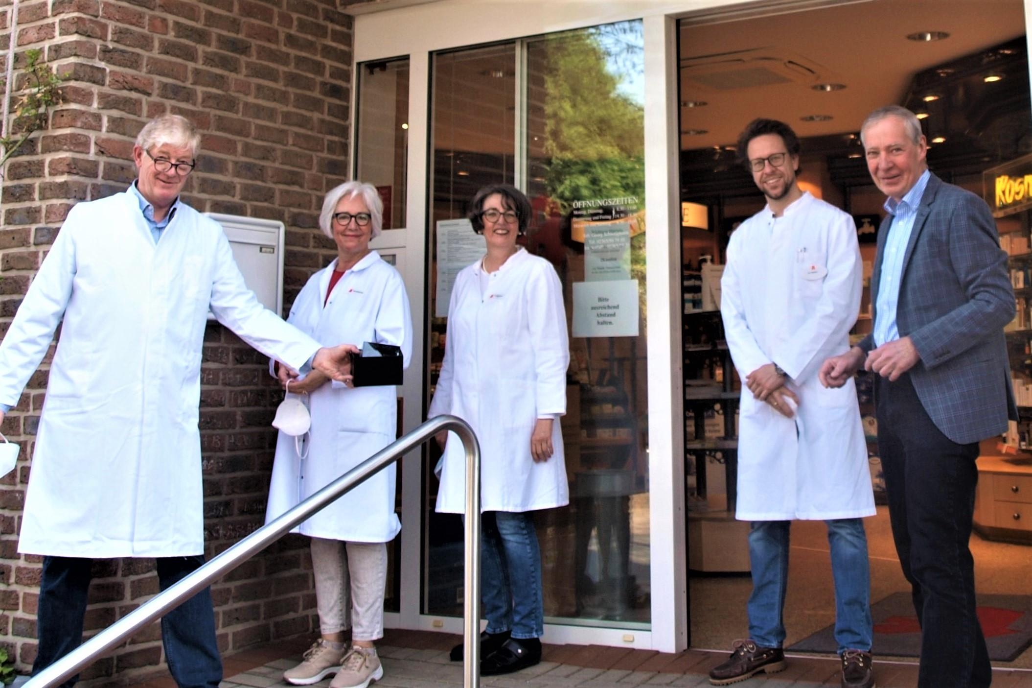 Dorf-Apotheke aus Polsum unterstützt Klara